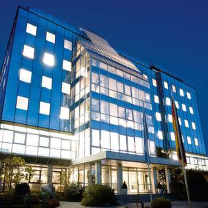 Conrad Electronic beliefert Synaxon-Partner