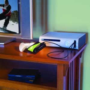 Der Media Xporter von Iomega verleiht Microsofts Xbox 360 zusätzliche Speicherpower.