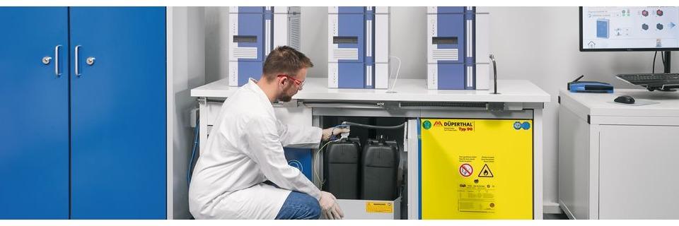 Gefahrstofflagerung im Fokus: Wie unterscheiden sich aktive und passive Lagerung?