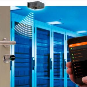 Rack-Türen ferngesteuert sichern