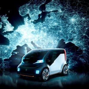 Autonom fahrendes Elektroauto mit künstlicher Intelligenz an Bord