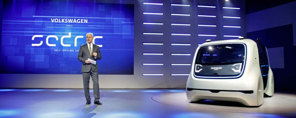 VW-Konzernchef Matthias Müller hat am Vorabend des Genfer Salons die Studie Sedric vorgestellt.