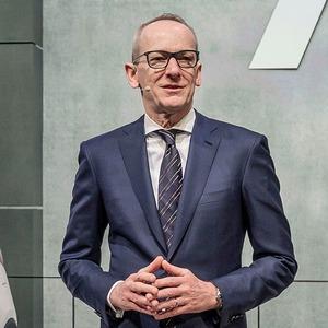 Neumann bekräftigt Eigenständigkeit von Opel