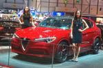 Mit seinem allerersten SUV, dem Stelvio, will Alfa unter anderem BMW X3, Mercedes GLC, aber auch den Porsche Macan angreifen.