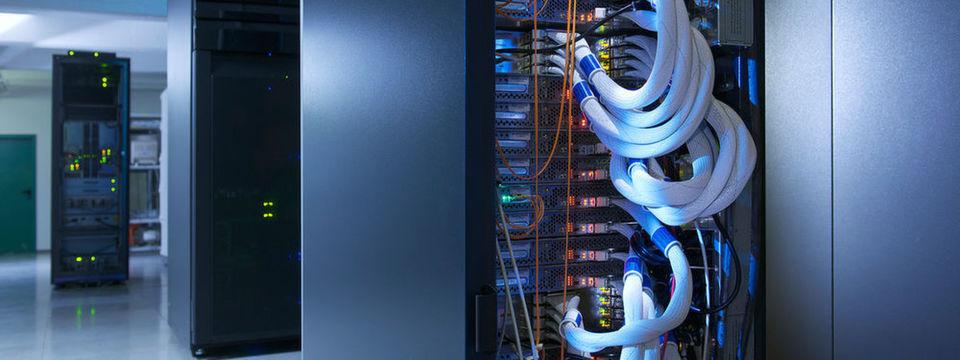 In den neuen Rechenzentren der Telekom in Biere wird einiges dafür getan, damit der PUE-Wert bei 1,3 liegen kann.