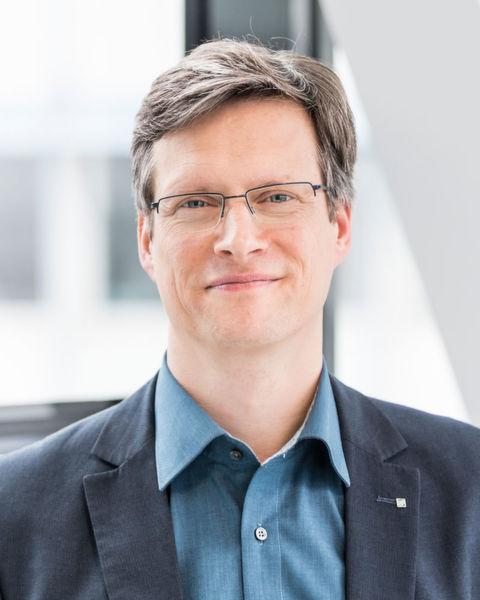"""Dr. Urs Schneider, Leiter Medizin- und Bioproduktionstechnik am Fraunhofer IPA: """"Mit der Nähe zur Medtec Europe"""