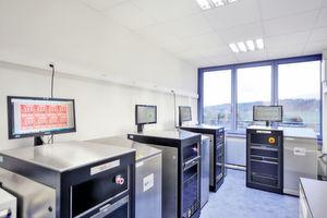 Vier IST-Testgeräte und weitere Untersuchungs- und Analyseverfahren bilden die Basis für und messbare Zuverlässigkeit der Dyconex-Produkte.