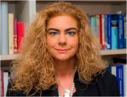 Univ.-Prof. Dr. rer. nat. Sabina Jeschke ist Professorin am Lehrstuhl für Informationsmanagement im Maschinenbau der