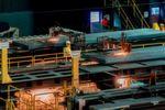 Die Thyssenkrupp-Geschäftsbereiche Millservices & Systems sowie Steel Europe haben im Oxygen-Stahlwerk 2 eine neue Anlage zum Längsteilen von Brammen in Betrieb genommen.