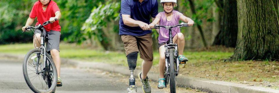 Mit dem mechatronischen Prothesenfuß erhalten Träger zusätzliche Energie beim Gehen und Laufen.