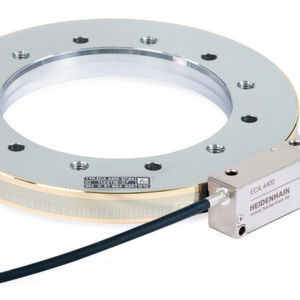 Für sicherheitsgerichtete Anwendungen: Das absolute Winkelmessgerät ECA 4000 in der Functional Safety-Ausführung verfügt über einen Zentrierbund am Innendurchmesser.