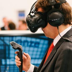 Virtuelle Realität ist für Lenze mehr als Computerspielerei