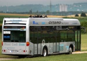 36 Busse mit Brennstoffzellenantrieb haben im öffentlichen Nahverkehr europäischen Großstädte sowie in Australien und in China insgesamt 2. Mio. km zurückgelegt