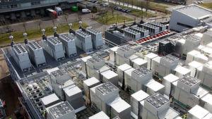 Vor allem große Online-Unternehmen setzen MTU Onsite Energy. Ein aktuelles Beispiel ist der Aufbau eines Datencenter in Amsterdam, für das MTU Onsite Energy insgesamt 23 Diesel-Notstromaggregate mit einer Gesamtleistung von 57 Megawatt liefert.
