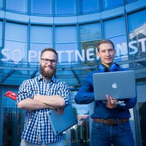 Das Tool der beiden Feram-Gründer Adrian Sieber und Benjamin Karran bündelt verschiedene Open-Source-Werkzeuge zur Code-Analyse.