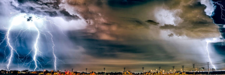 Über 20.000 in Deutschland betriebene Clouds sind duch Sicherheitslücken in veralteten Versionen von ownCloud und Nextcloud bedroht. Nur ein Fünftel der vom BSI gewarnten Cloud-Betreiber hat reagiert.