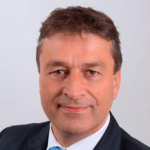 """Wolfgang Niedziella, Geschäftsführer des VDE Prüf- und Zertifizierungsinstituts: """"Es spricht alles dafür, dass bei den in Deutschland eingesetzten und für den Einsatz vorgesehenen Zählern die gesetzlich vorgegebenen Verkehrsfehlergrenzen nicht überschritten werden."""""""