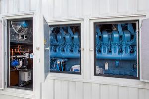Die Aggregate von MTU Onsite Energy für das Rechenzentrum in Amsterdam basieren auf 20-Zylinder-Motoren der MTU-Baureihe 4000 mit je 2.480 Kilowatt Leistung, die im Notfall bis zu 48 Stunden im Dauerbetrieb gefahren werden können.
