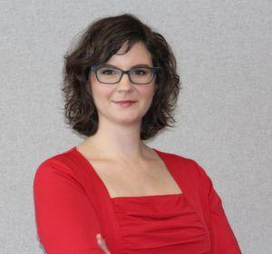 Andrea Jochum führt als Manager Corporate Communications bei von Rundstedt ein Team von drei Mitarbeitern. Als Kommunikationsexpertin bei einem Software-Unternehmen und später als Projektleiterin bei einer der größten Steuer- und Wirtschaftsprüfungsgesellschaften hatte sie die Gelegenheit, jede Menge Marketing-Know-how im B2B Umfeld aufzubauen.