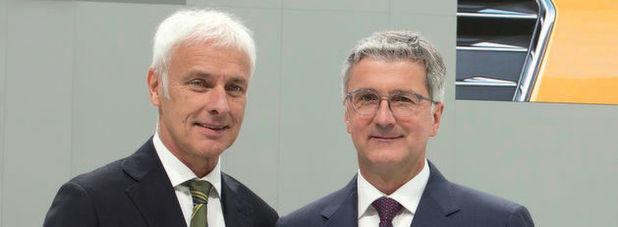 Bei VW-Boss Matthias Müller und Audi-Chef Rupert Stadler soll es im Zuge des Dieselskandals Durchsuchungen gegeben haben. Dies geht aus einem Beschluss des Amtsgerichts München hervor, auf den sich mehrere Medien berufen.