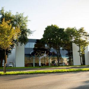 Die großen Autohändler: Autohaus Louis Dresen