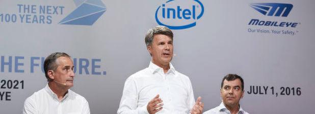 Brian Krzanich, Vorstandsvorsitzender von Intel, Harald Krüger, Vorstandsvorsitzender BMW AG, und Amnon Shashua, Mobileye Mitbegründer, Vorstandsvorsitzender und CTO Professor.