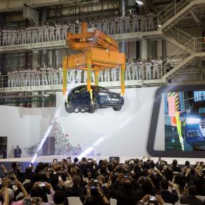 Autobauer stecken weniger Geld in neue Werke