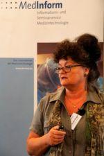 """""""Beginnen Sie jetzt mit der Vorbereitung"""", appelliert Dr. Susanne Gerbl-Rieger vom TÜV Süd an die Teilnehmer der Medinform-Konferenz am 30. März in Bonn."""