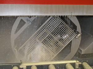 Pero legt das Reinigungsverfahren auf Material, Bearbeitungsverfahren und -medien aus.