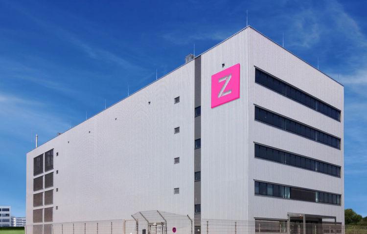 Noch dominiert das Zenium-Rechenzentrum Frankfurt One die Straßenecke
