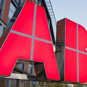 ABB attackiert Siemens