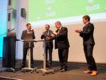 Daumen nach oben! Innenminister Markus Ulbig schaltet das Netzwerk offiziell frei