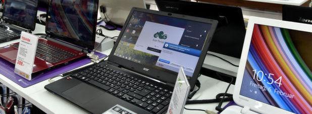 Blick in einen Elektromarkt: Laut Gartner-Analysten wird der weltweite Absatz von Personal Computern im kommenden Jahr wieder leicht ansteigen. Insbesondere die Ultrabooks würden den Rückgang bei Desktop- und klassischen Notebook-Rechnern auffangen.