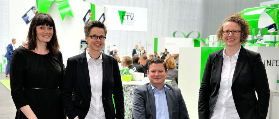 Die Geschäftsleitung von Also (v. l.), Sabine Hammer (Vertrieb), Sylke Rohbrecht (Supply), Reiner Schwitzki (Sprecher der Geschäftsführung) und Simone Blome (Solutions), stellte zur CTV 2017 neue Konzepte und einen neuen Standort vor.