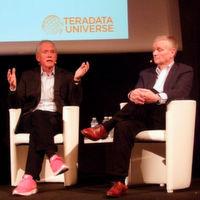 Victor Lund, CEO von Teradata (links im Bild), und Peter Mikkelsen, Executive Vice President