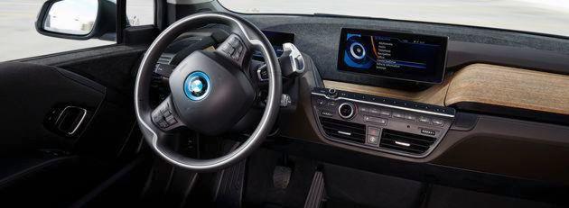 40 Prozent der Millennials wünschen sich ein Fahrzeug, dass überwiegend aus recycelten Materialien besteht, und 35 Prozent legen großen Wert auf eine problemlose Kopplung ihres Smartphones mit dem Fahrzeug.