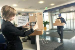 Durch Pakadoo werden Privatpakete unabhängig vom Paketdienst gebündelt und mit B2B-Paketen an die Arbeitsstelle geliefert.