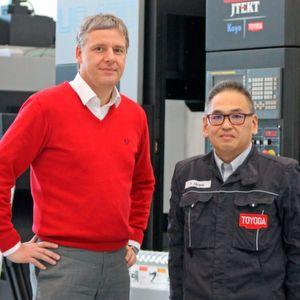 Die beiden Geschäftsführer von Toyoda Machinery Europe, v.l. Michael Steiner und Yukinaga Hirano.