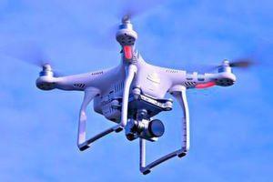 Immer öfter werden Drohnen dazu benutzt, um verbotene Gegenstände in Gefängnisse zu schmuggeln. In zwei schweizerischen Haftanstalten soll ein Abwehrsystem dies nun unterbinden.
