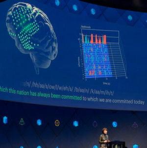 Facebook-Managerin Regina Dugan präsentiert bei der hauseigenen Entwicklerkonferenz F8 in San Jose das Projekt, Menschen mit Hilfe von Sensoren Worte direkt aus ihrem Gehirn in Computer eintippen zu lassen.