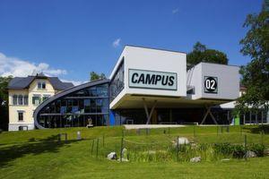Mit intelligenten Near-Field-Communication-(NFC-)Etiketten von Smart-Tec wirbt die FH Campus 02 in Graz für den Studiengang Automatisierungstechnik.