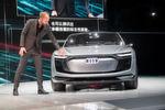 Audi-Chefdesginer Mark Lichte bei der Präsentation des viertürigen Gran Turismo.