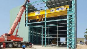 Im neuen Werk von General Electric in Ghana wird die Krananlage von Stahl Cranes & Hoist aus Südafrika mit der Technik von Stahl Cranesystems aus Künzelsau aufgebaut.