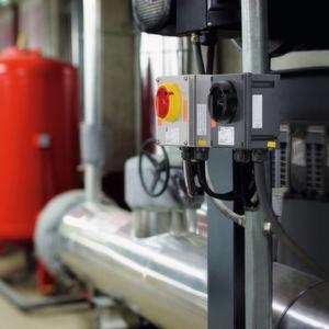 Lasttrennschalter von R. Stahl zur sicheren Stillsetzung direkt gespeister und Frequenzumrichter-gesteuerter Motoren entsprechen der IEC/EN 62626-1 Klasse 1.