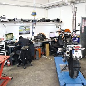 Motorradhaus Ebert: 40+x+2.0 = Zukunft