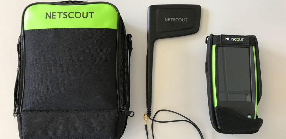 Der NetScout AirCheck G2 ist ein handlicher WLAN-Tester, der die Administration drahtloser Netze sehr erleichtern kann.