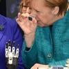 Kanzlerin Merkel interessiert an Mikromotoren für die Medizintechnik