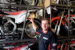 Sigurd Waldmann ist auf den Motocross-Strecken dieser Welt ebenso zu Hause wie auf dem Parkett des Geschäftslebens.