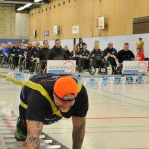 ... auf 96 Rollstuhlfahrer und einen Weltrekord