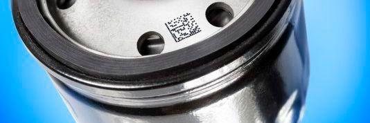 Die jüngere Druckergeneration von Bluhm druckt bis zu fünf Zeilen Text, Chargen- oder Seriennummern und Barcodes sowie 2D-Codes.